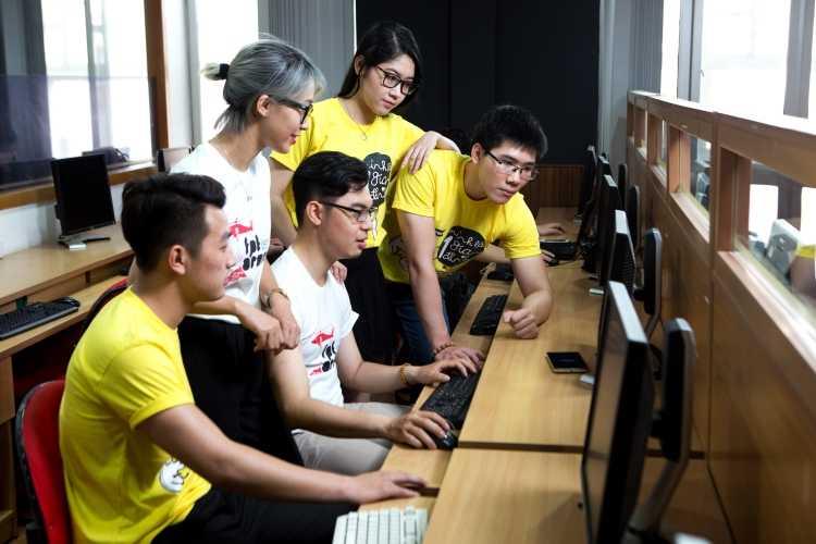 sinh viên fpt arena