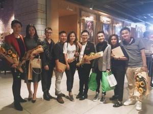 Lê Nhân ủng hộ 17 Production trong lễ ra mắt (ngoài cùng bên phải)