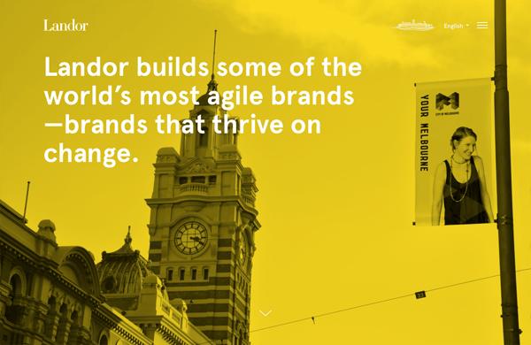 Một bảng màu đơn giản, đậm của lớp overlay màu vàng, cộng với một thiết kế cân đối, làm nổi bật các trang web được thiết kế lại của công ty xây dựng thương hiệu toàn cầu này.