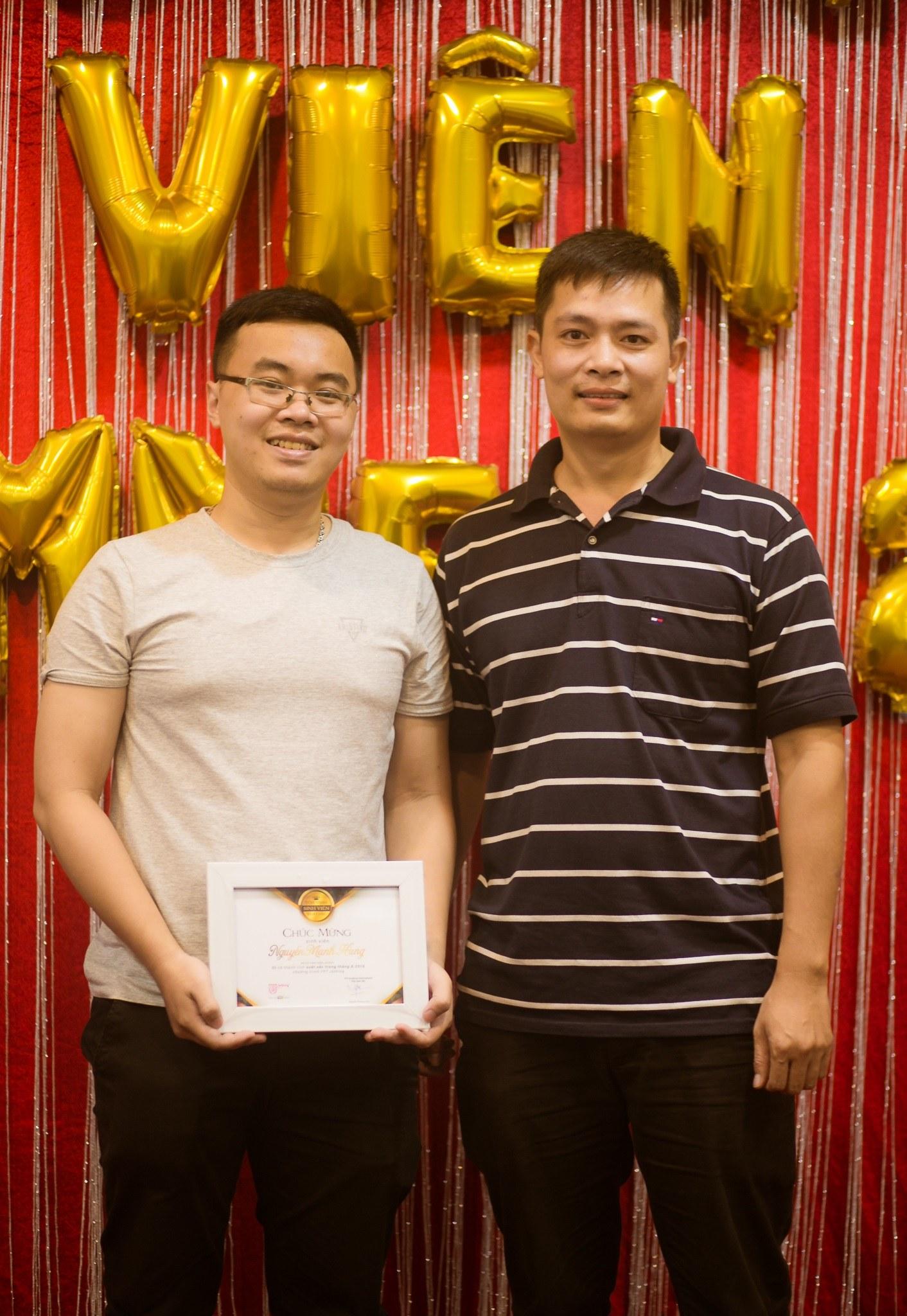 Khoảnh khắc với thầy giáo của sinh viên