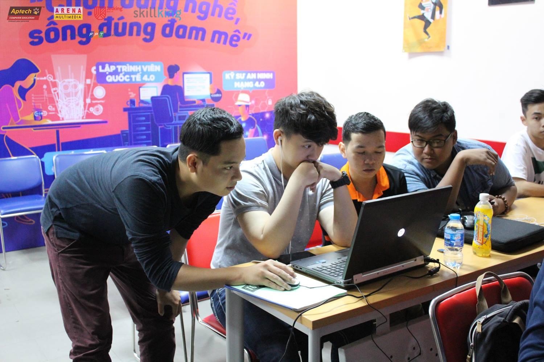 Lớp học cắt ghép Clip sub cùng với Đạo diễn - Diễn viên Lê Nhân - Cựu Sinh viên FPT Arena Multimedia