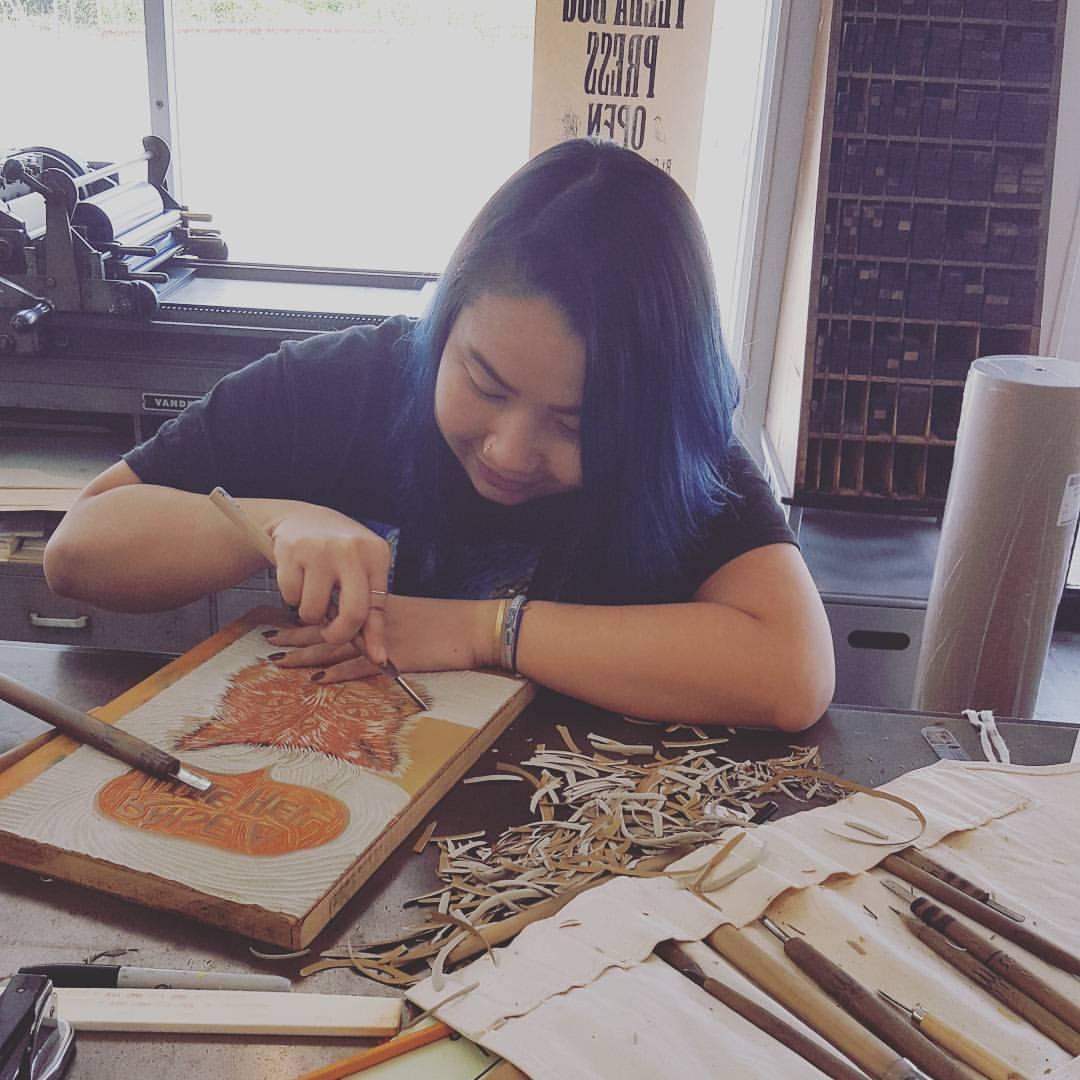 Dung Phạm và niềm yêu thích với tranh khắc gỗ