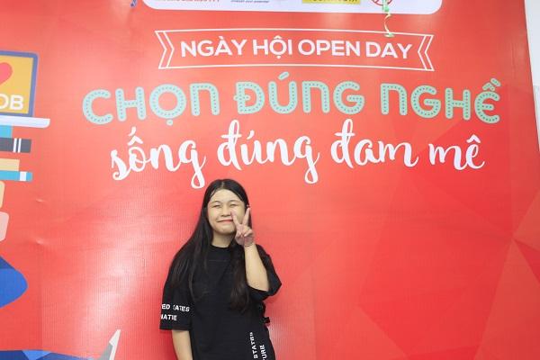 Bạn Nguyễn Hương chia sẻ về sự hào hứng của mình trong buổi Hướng nghiệp Open Day