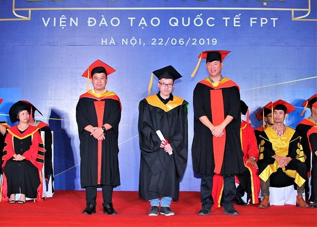 Thủ khoa tốt nghiệp FPT Arena 2019 Nguyễn Lê Thế Phương - Từ bỏ 5 năm học kiến trúc rẽ ngang sang Thiết kế Mỹ thuật Đa phương tiện