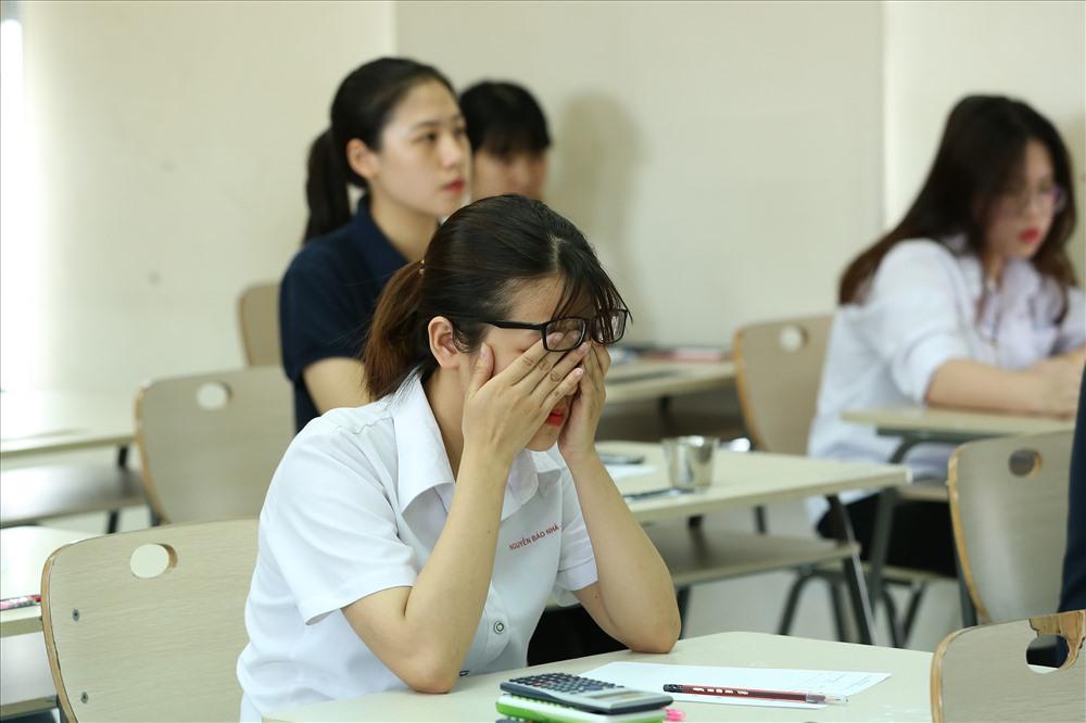 Lượng học sinh bị trầm cảm vì áp lực học hành đang nằm ở mức báo động
