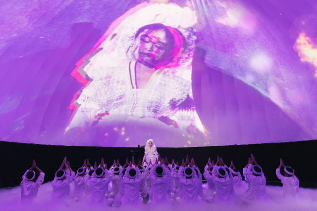 MV Tứ Phủ do Hoàng Thùy Linh thể hiện với màn kết hợp nghệ thuật thị giác ma mị và cuốn hút