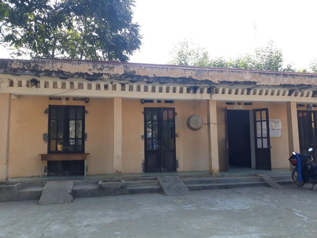 Điểm trường lẻ được xây dựng từ năm 2000 cho tới nay vẫn chưa được đầu tư tu sửa hoàn chỉnh.