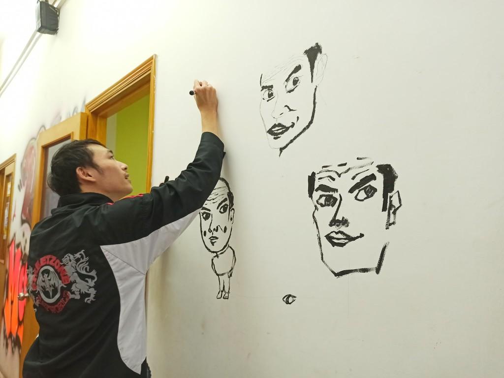 Mẫn - Chàng sinh viên tài năng đam mê Thiết kế đồ họa, đặc biệt yêu thích vẽ tay cùng chuỗi hình họa người thầy của mình, thầy HiệpHD.