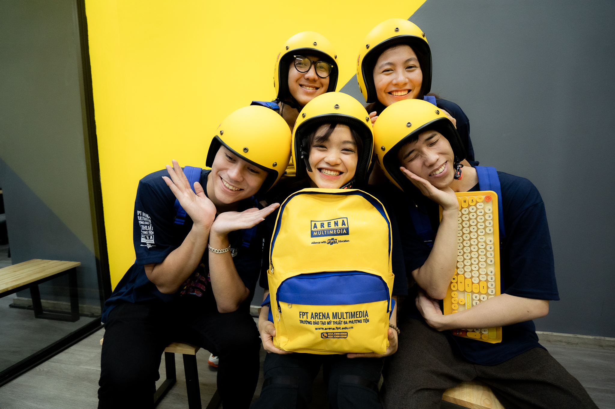 Bộ FAN Kit đặc biệt gồm áo phông, mũ bảo hiểm, ba lô sẽ là một trong những phần quà tại OPEN Z