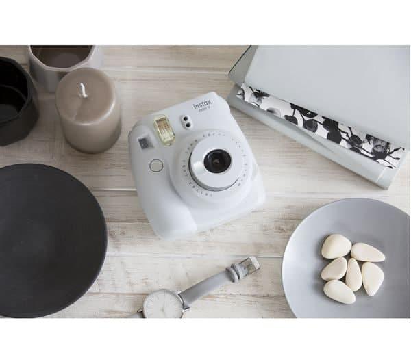 Polaroid Camera còn là một phụ kiện ấn tượng