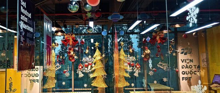 Những khoảnh khắc Giáng sinh lung linh tại Viện Đào tạo Quốc tế FPT Hà Nội