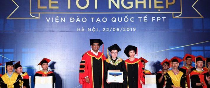 Thủ khoa tốt nghiệp FPT Arena 2019 Nguyễn Lê Thế Phương – Từ bỏ 5 năm học kiến trúc rẽ ngang sang Thiết kế Mỹ thuật Đa phương tiện