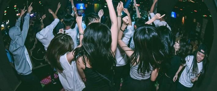 Hình ảnh sinh viên FPT quẩy tưng bừng trong lễ hội 'Devil by Night'